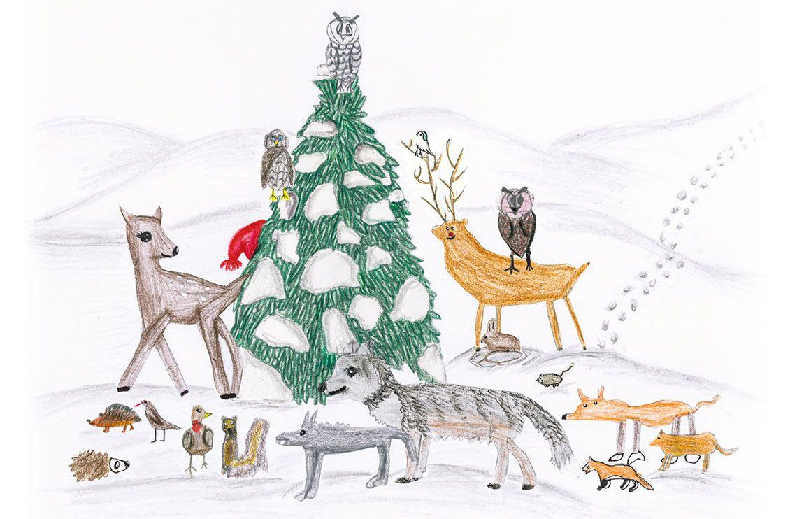 Waldtiere versammelt um eine schneeverzierte Tanne in Winterladschaft