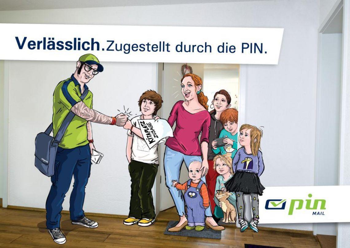 PIN-Zusteller übergibt an der Wohnungstür einer Frau und ihren 5 Kindern eine Kitaplatz-Zusage